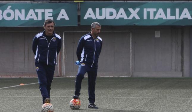Otro equipo de la Primera B anuncia cambio de entrenador: apuestan por ex ayudante de Hugo Vilches