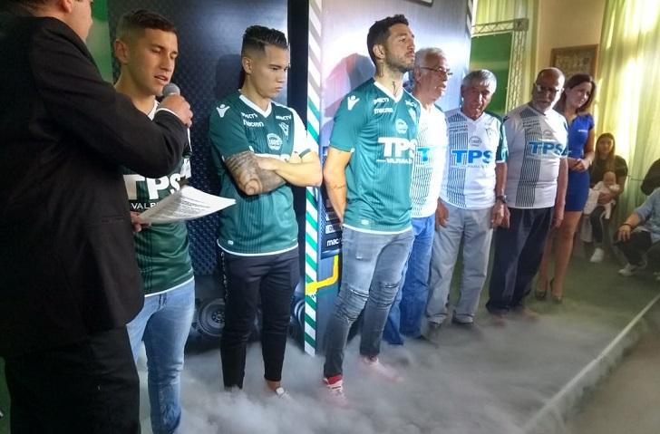 (Video) Así es la indumentaria que lucirá Santiago Wanderers en 2019