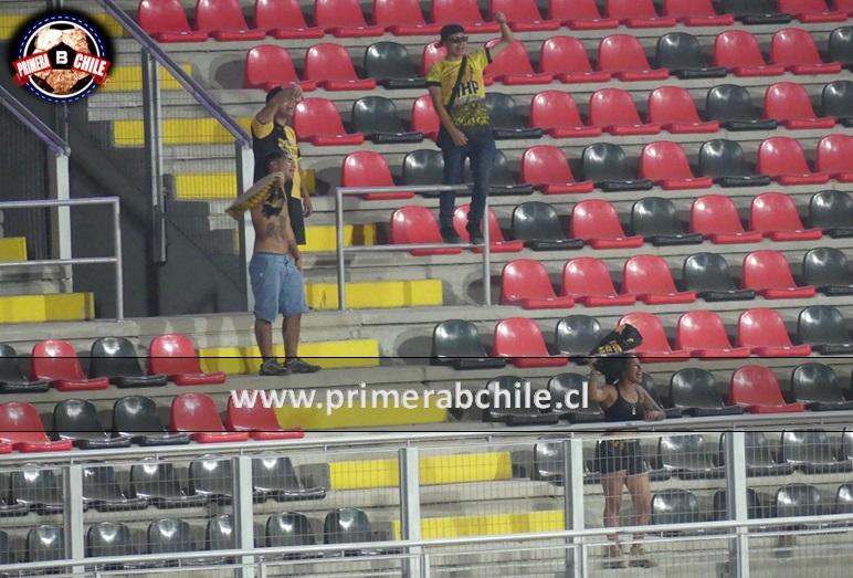 (Video) El aguante de los hinchas de Coquimbo que llegaron hasta Talca a alentar a su equipo