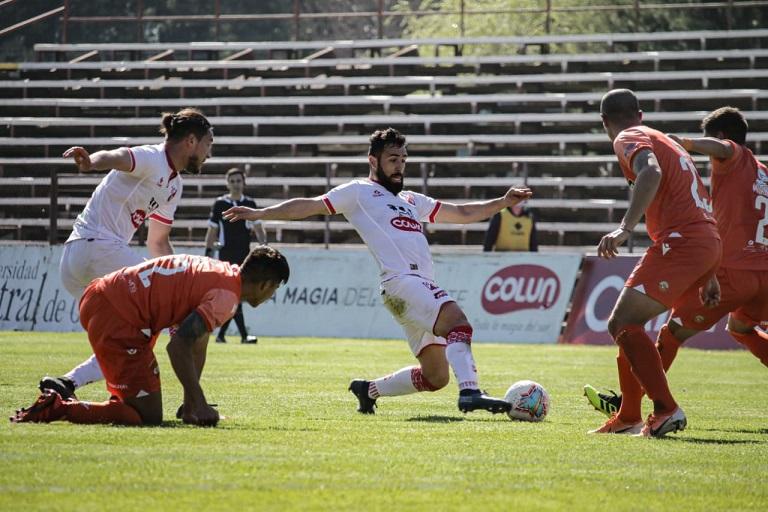 Valdivia y Cobreloa se pusieron al día en el campeonato con empate en el sur
